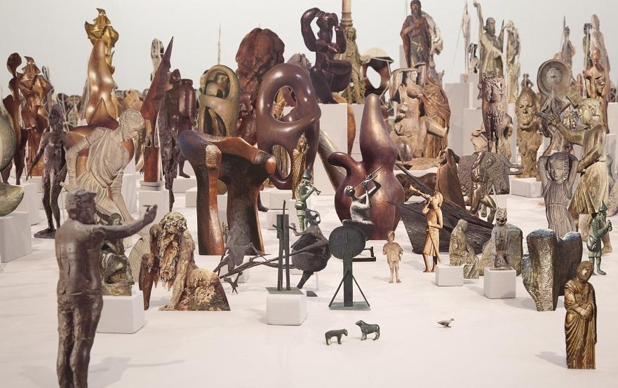 Geoffrey Farmer, Boneyard, 2013-2015, Papiers découpés, bois, colle. New York, Casey Kaplan Gallery © Courtesy of Geoffrey Farmer and Casey Kaplan, New York/ Photo: Jean Vong.