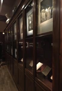 Photo : Cabinet où sont présentées les gravures de maîtres, Exposition « L'Œil de Baudelaire », 20 septembre 2016-29 janvier 2017, Paris, Musée de la Vie Romantique. © Esther Jakubec