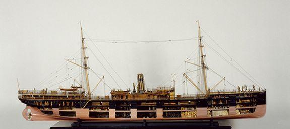 Paraguay, paquebot, vue travers tribord,© Musée national de la Marine/P.Dantec.
